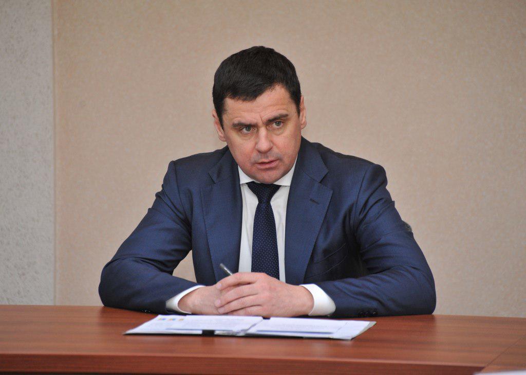 По инициативе Дмитрия Миронова в регионе увеличен размер ежемесячной выплаты при рождении третьего и последующих детей