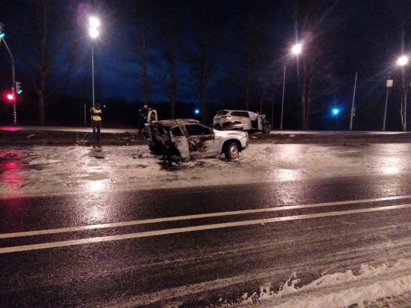 В огненном ДТП на Московском проспекте погибли два человека
