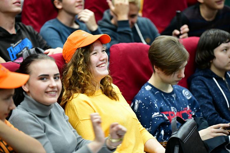 В День студента в Ярославле для учащихся организуют бесплатный проезд и скидки в кафе