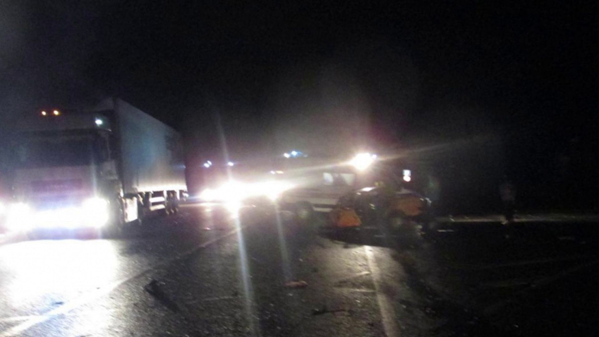 Двое подростков на «Жигули» протаранили грузовик: оба в больнице