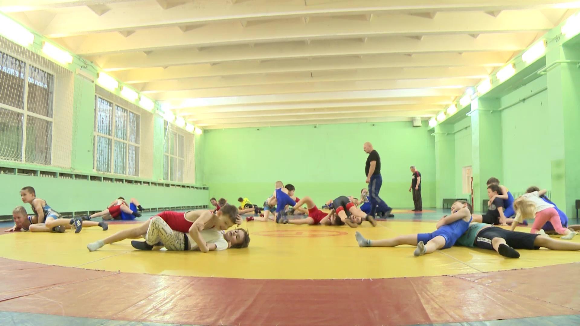 Полвека воспитания чемпионов: ярославская школа спортивной борьбы отметила юбилей