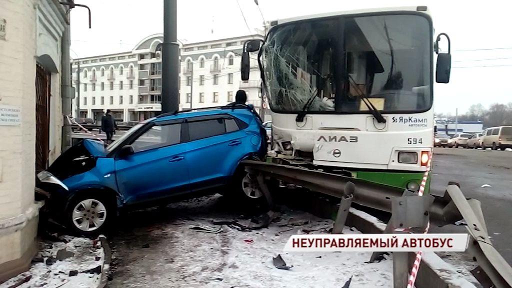 Решается вопрос о возбуждении уголовного дела по факту смертельного ДТП в Ярославле