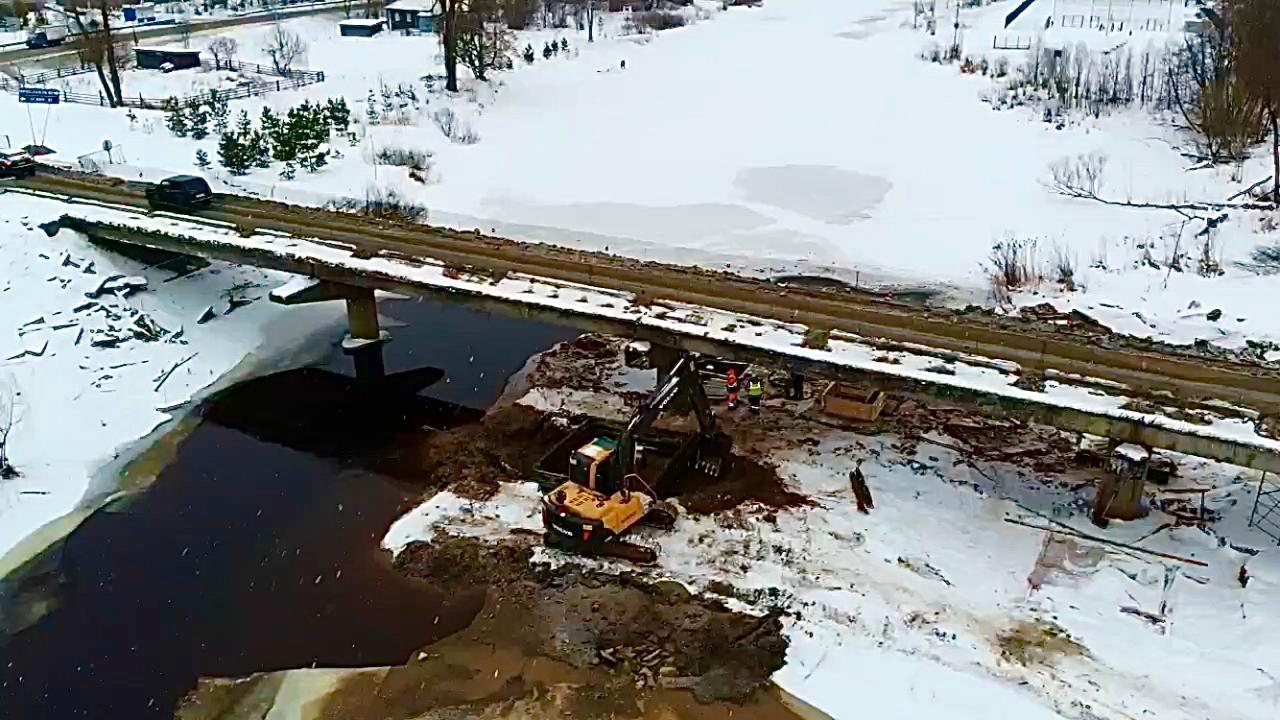 В Большом Селе продолжается капитальный ремонт моста