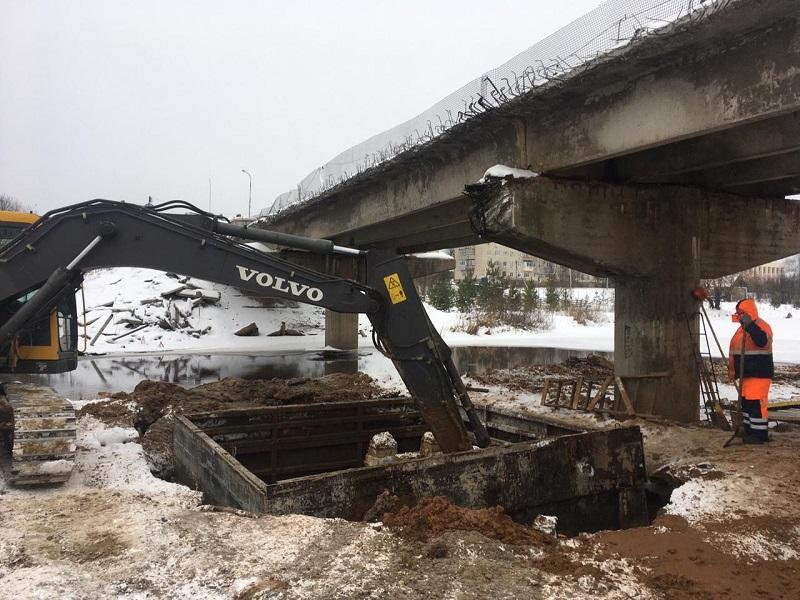 Ремонт моста в Большом Селе идет в соответствии с графиков