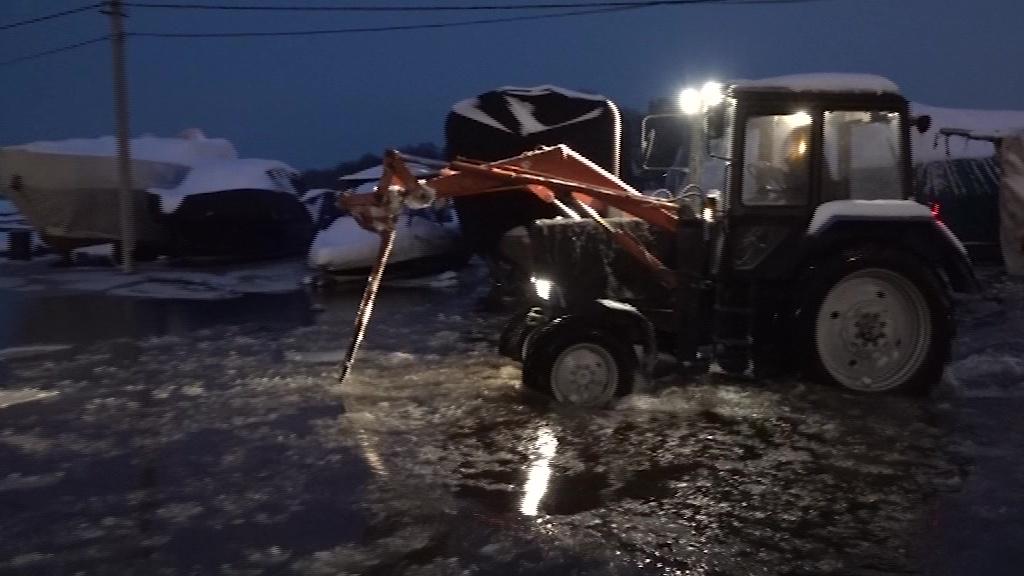 МЧС собрало экстренное совещание после затопления Волжской набережной в Ярославле