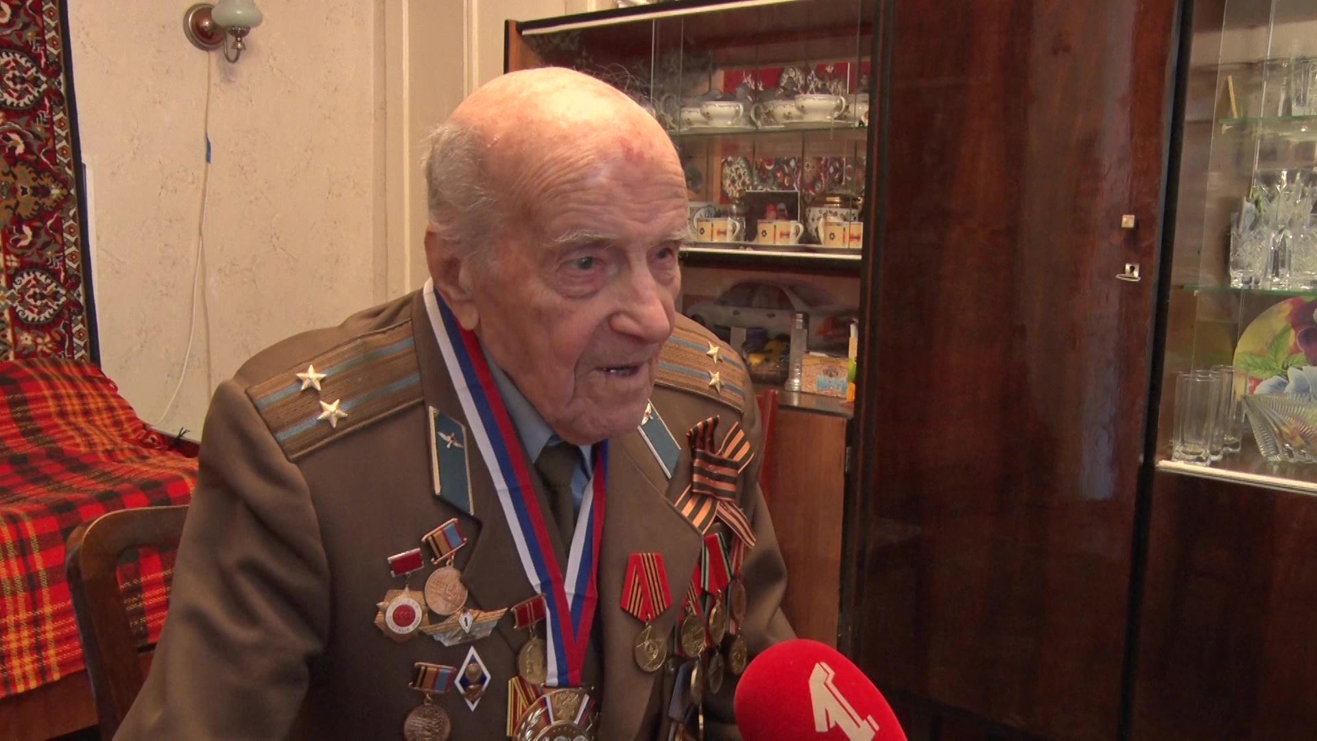 Труженик тыла, инженер-полковник в отставке Геннадий Котов отметил вековой юбилей
