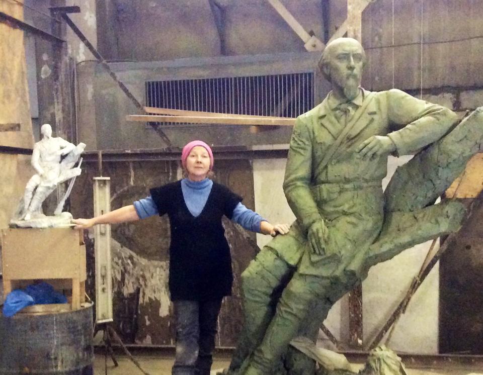 Ярославский скульптор создает новый памятник Некрасову