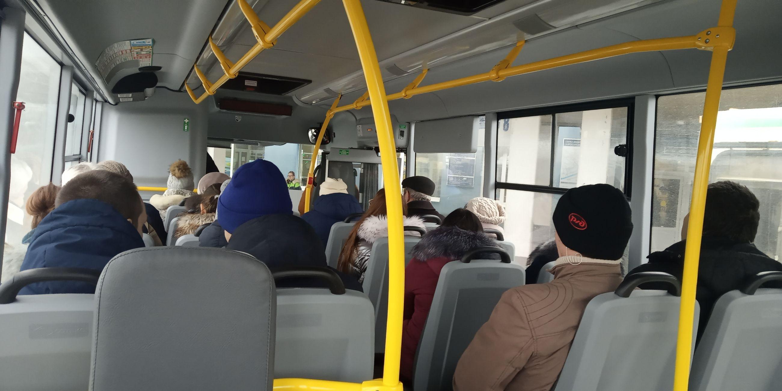 Привычка безопасности: сотрудники ГИБДД приучают ярославцев к ремням