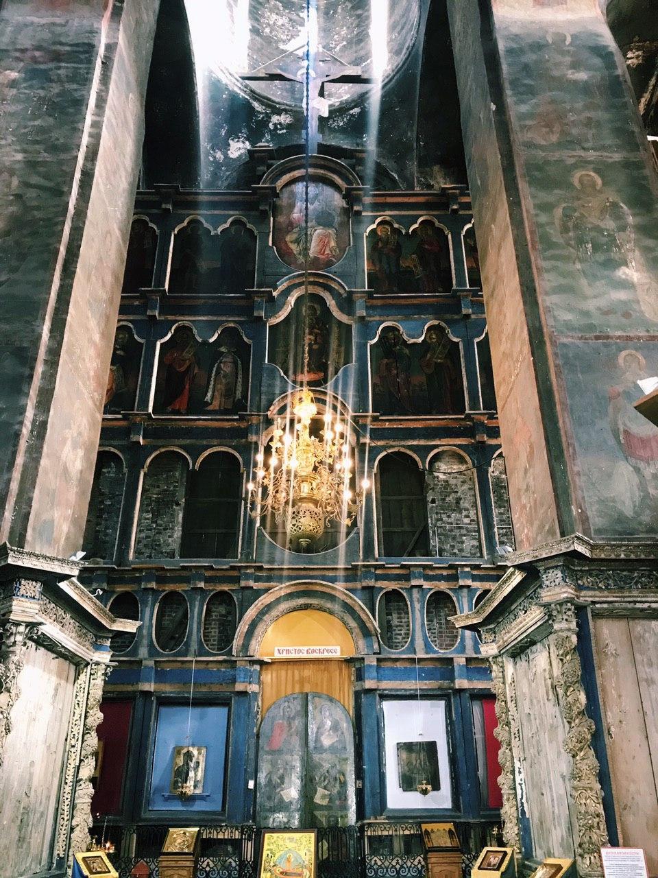 В Успенский собор в Ростове дали отопление