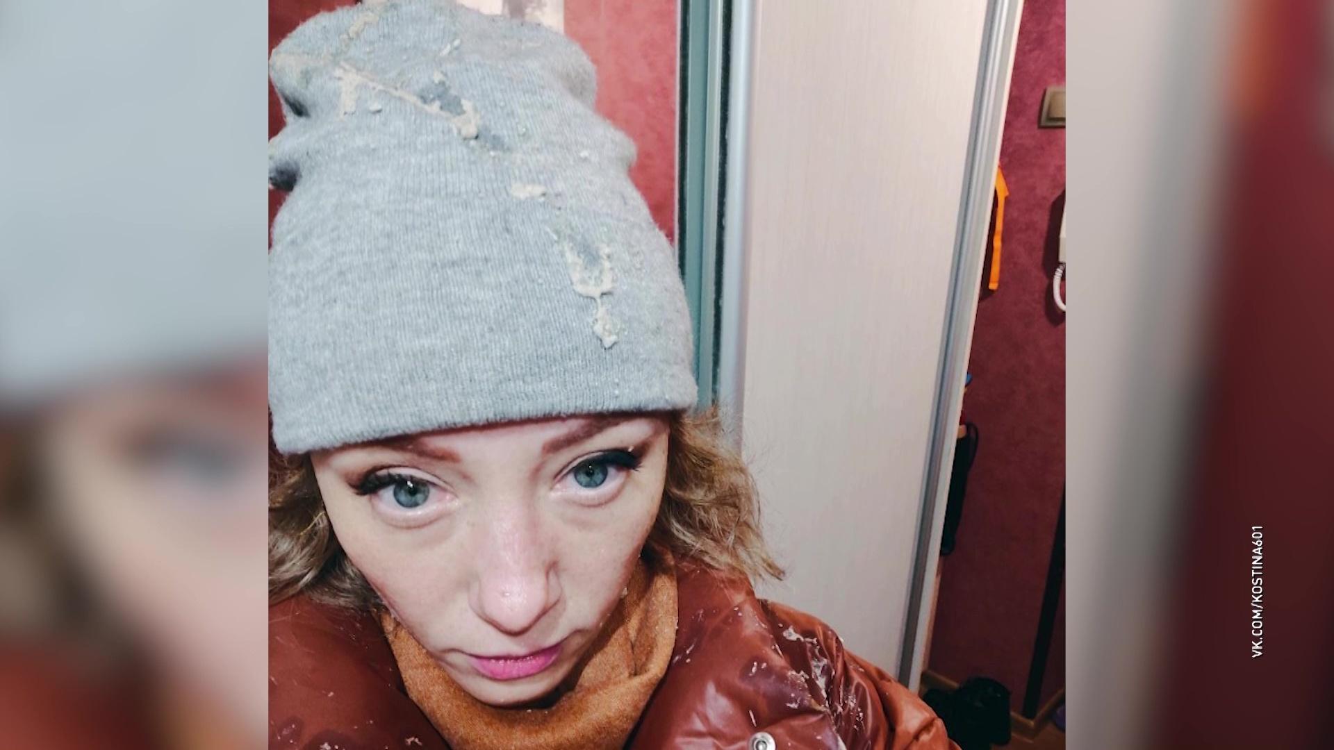 В управдоме прокомментировали падение козырька подъезда на ярославну