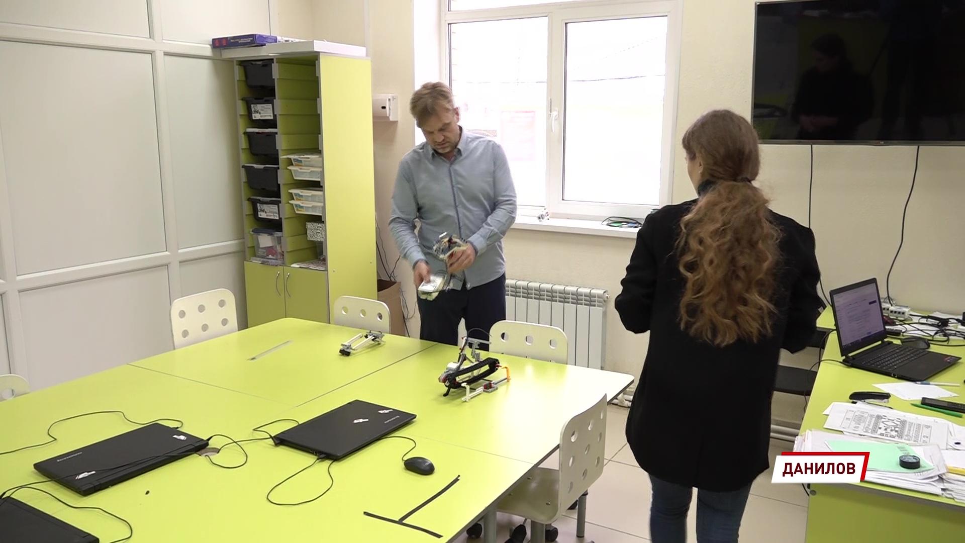 Нескучная учеба: предприниматель открывает клубы по робототехнике в разных уголках области