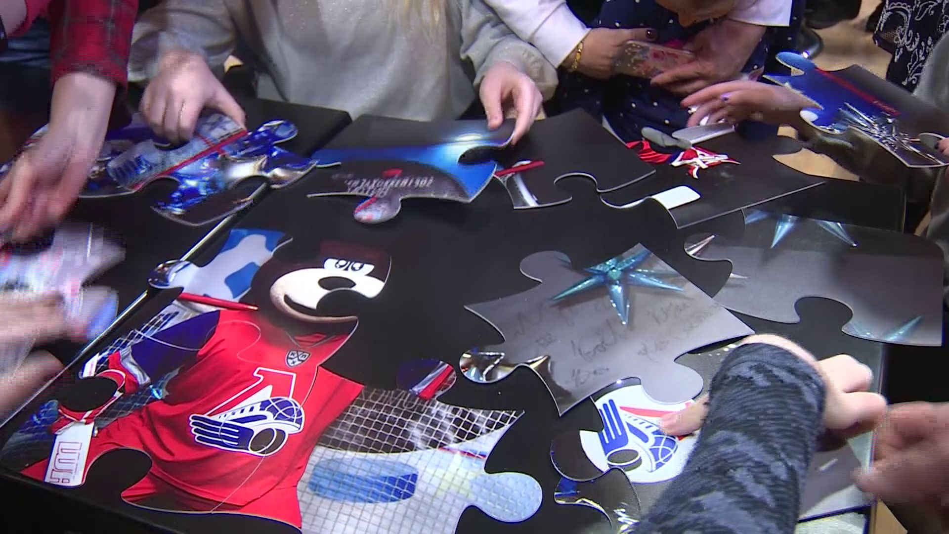 Эстафеты, викторины, квест: около 50 ярославских особенных детей приняли участие в акции «Болей за хоккей»