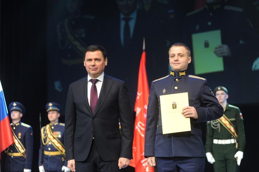 Дмитрий Миронов поздравил всех причастных к обороне государства с Днем защитника Отечества