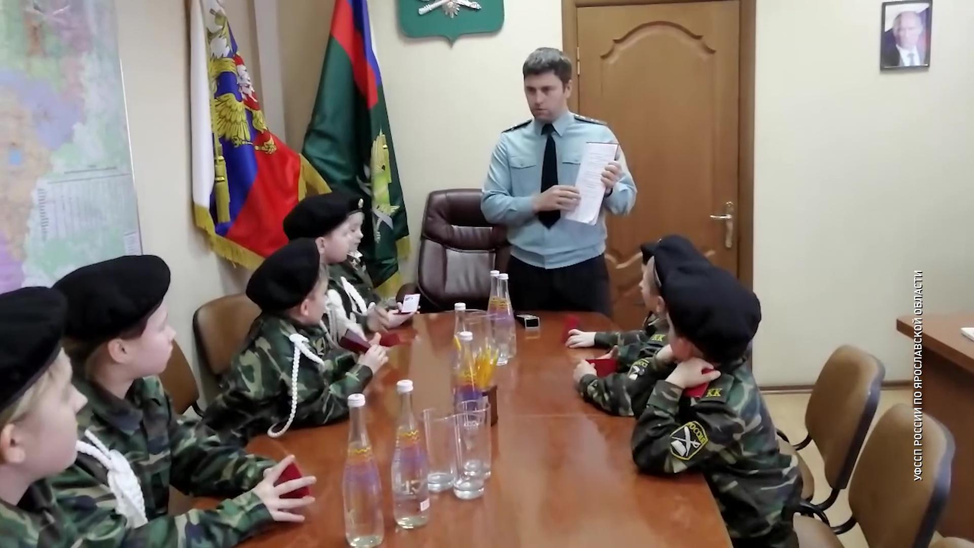 Юные приставы приняли присягу накануне Дня защитника Отечества