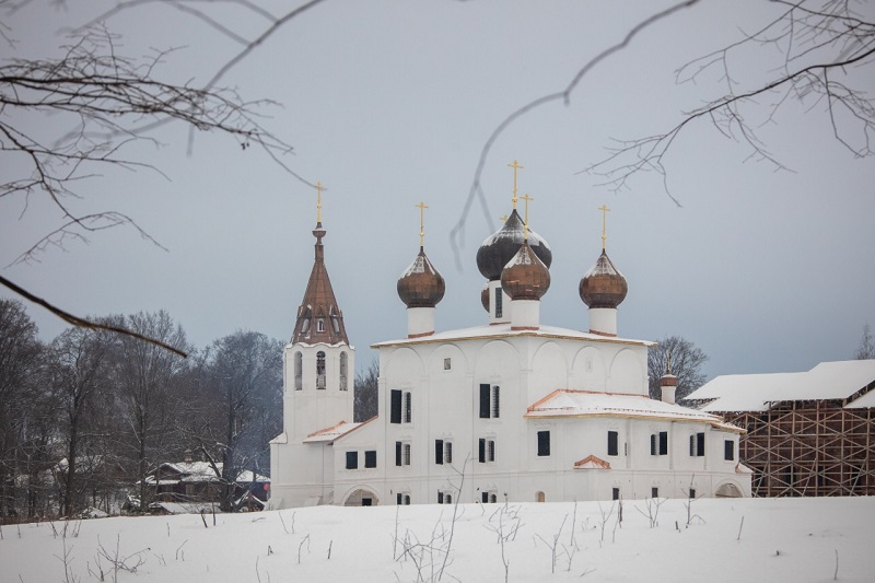 Дмитрий Миронов рассказал, какие ремонтные работы проводятся в храме Богоявления на Острову села Хопылево