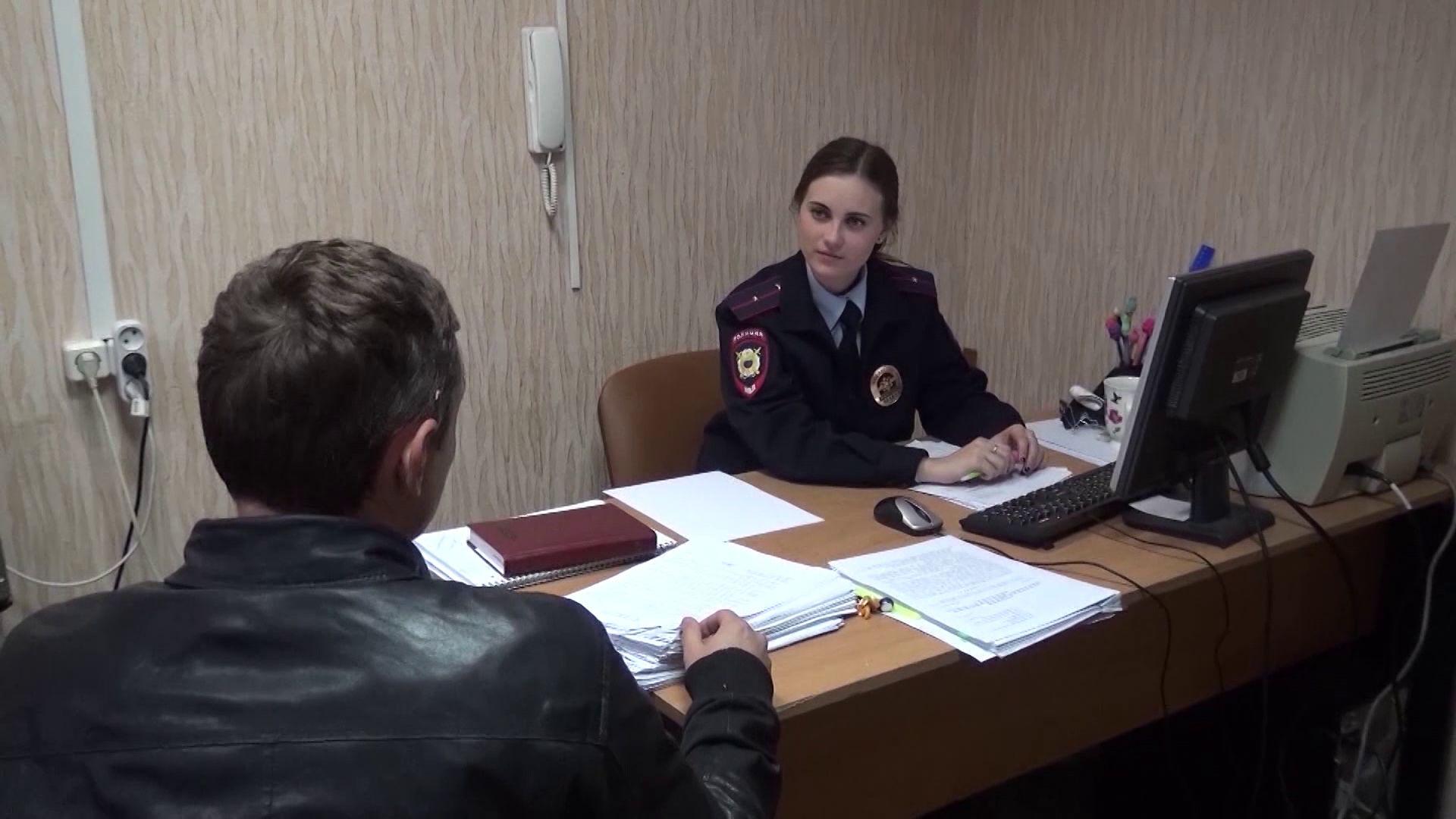В поликлинике Ярославля рецидивист украл кошелек