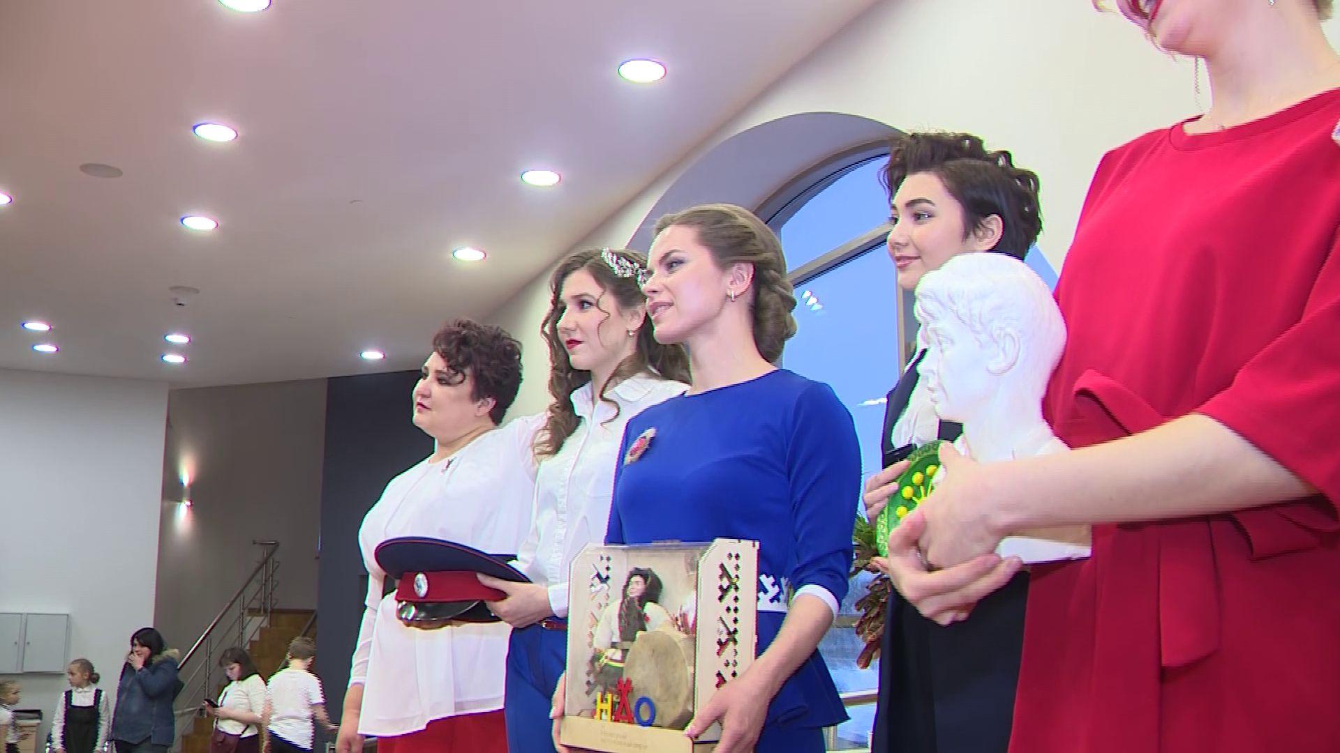 В Ярославле определились с лучшей «чайкой»: на конкурс приехали десять участниц со всей страны