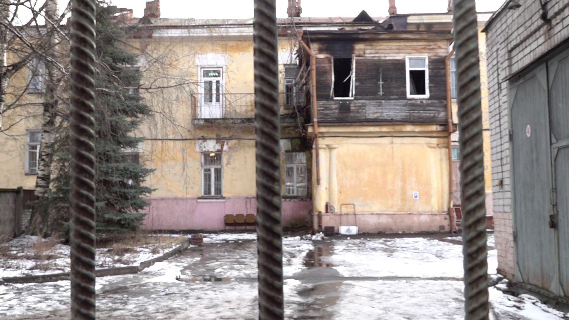 В центральном военкомате Ярославля вспыхнул пожар