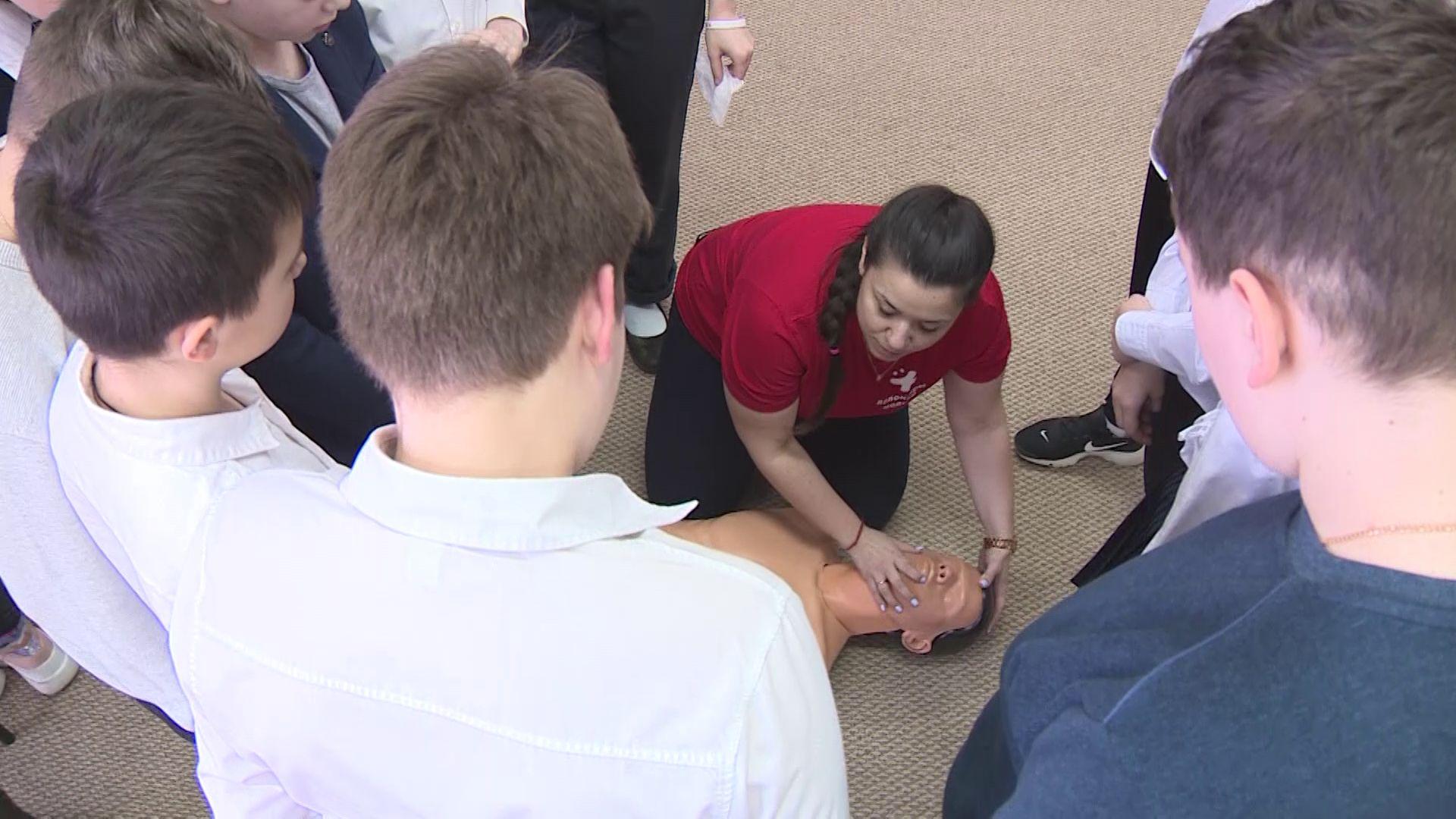 В ярославской школе прошел Всероссийский урок по оказанию первой помощи