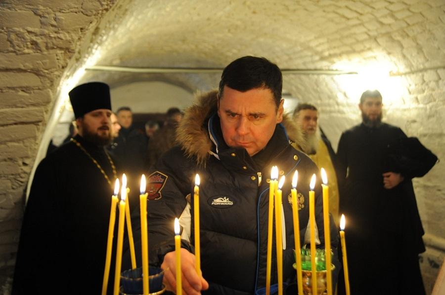 Дмитрий Миронов проверил ход реставрации храмового комплекса на родине Федора Ушакова в Хопылево