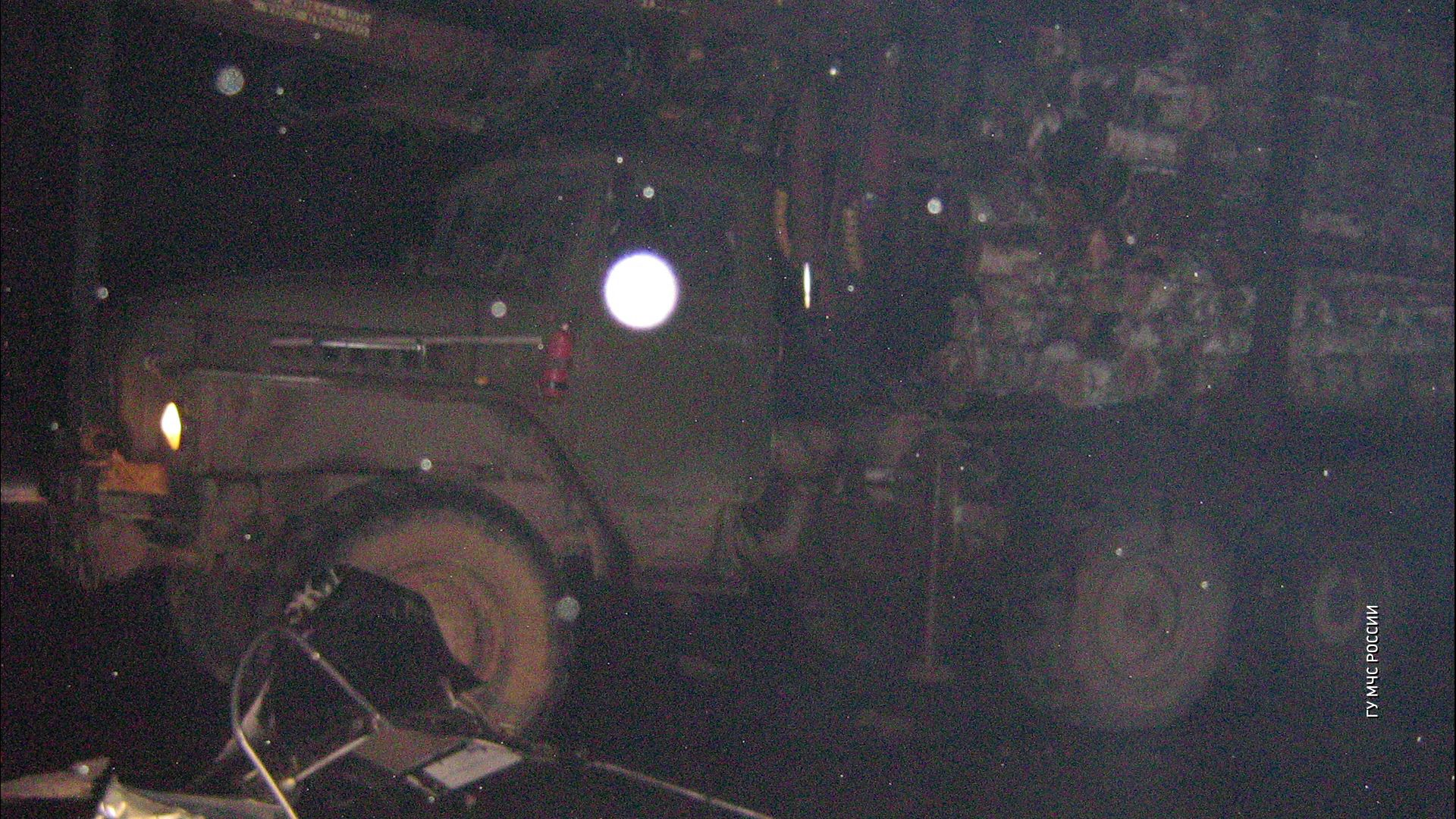 В Ростовском районе легковушка и грузовик не поделили дорогу