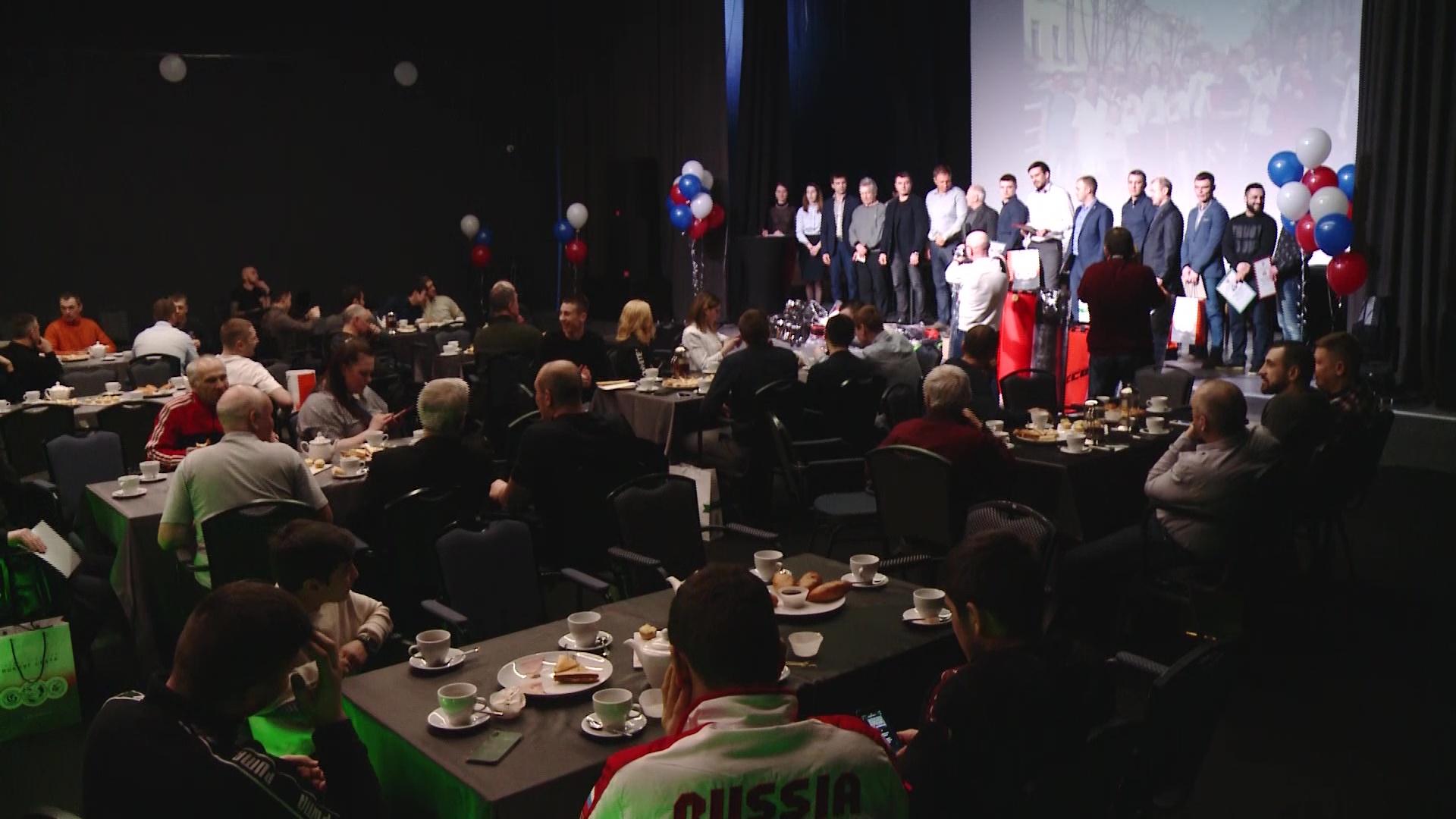 В Ярославле наградили лучших боксеров и их тренеров
