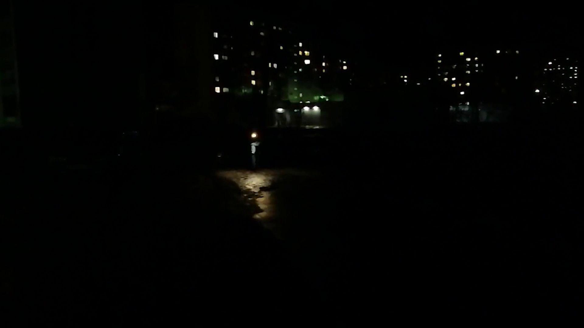 Почти весь Дзержинский район остался без света из-за сильного ветра