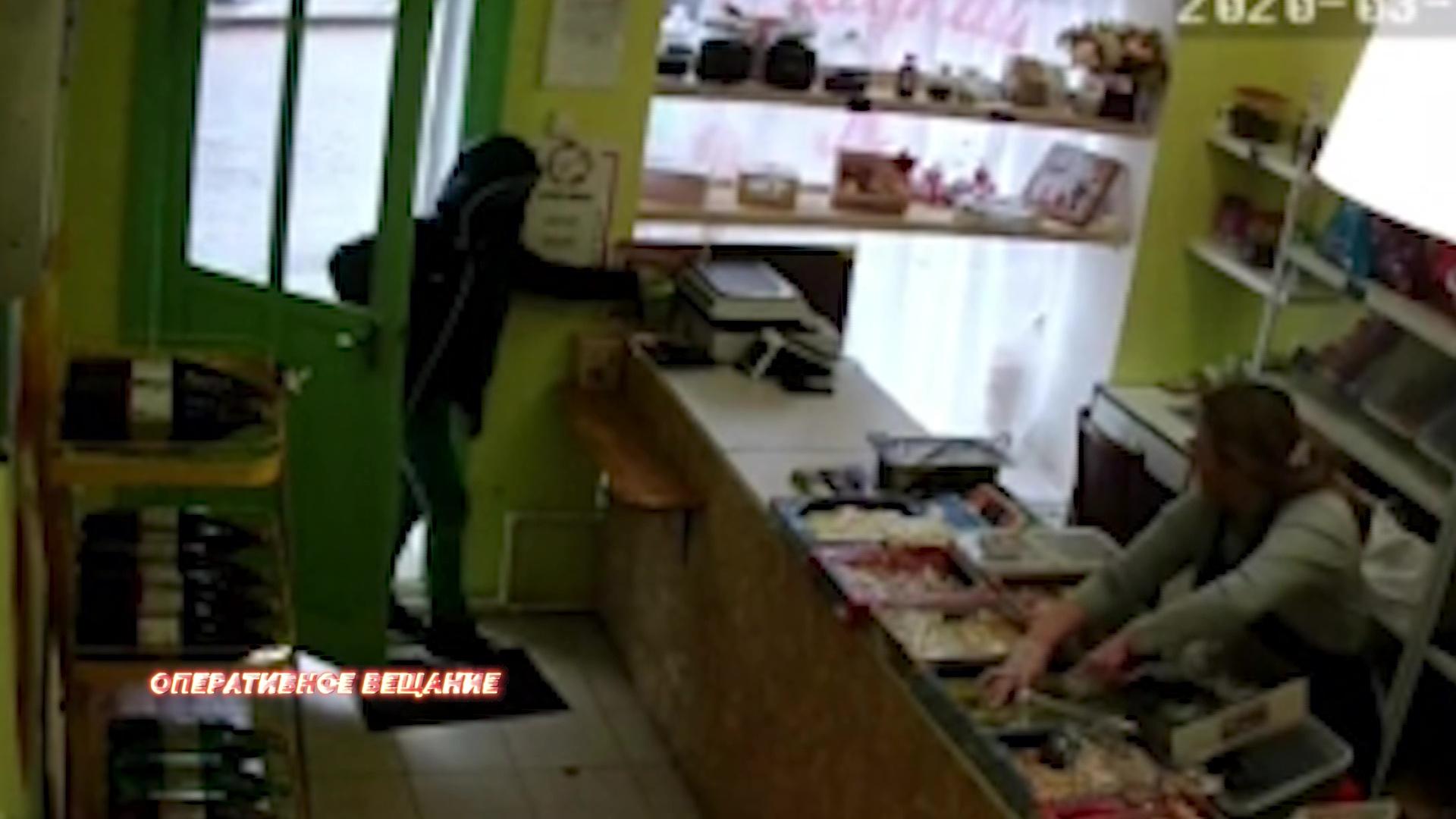 Житель области украл из магазина ящик для сбора средств больному ребенку