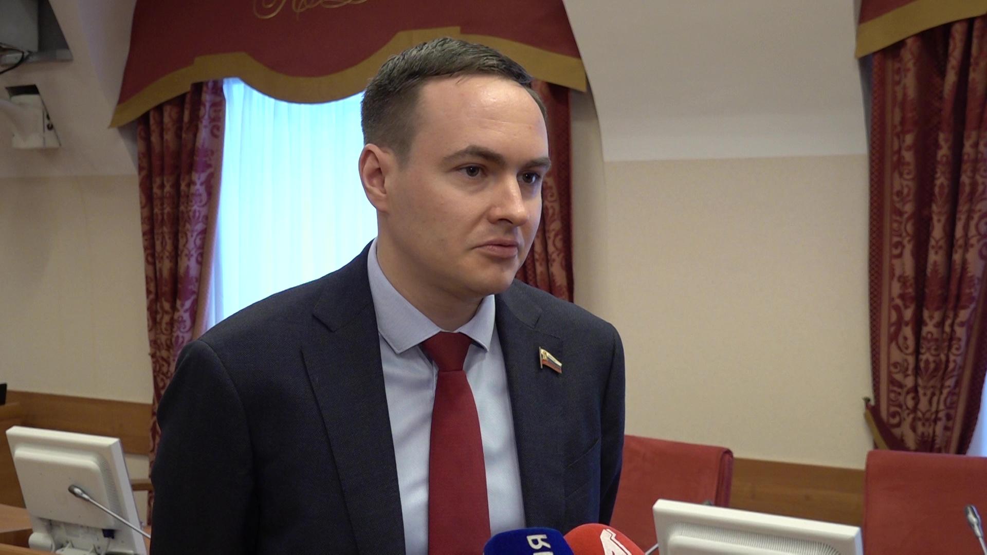 Антон Капралов: «Мне импонирует, что в поправках в Конституцию есть определение брака»