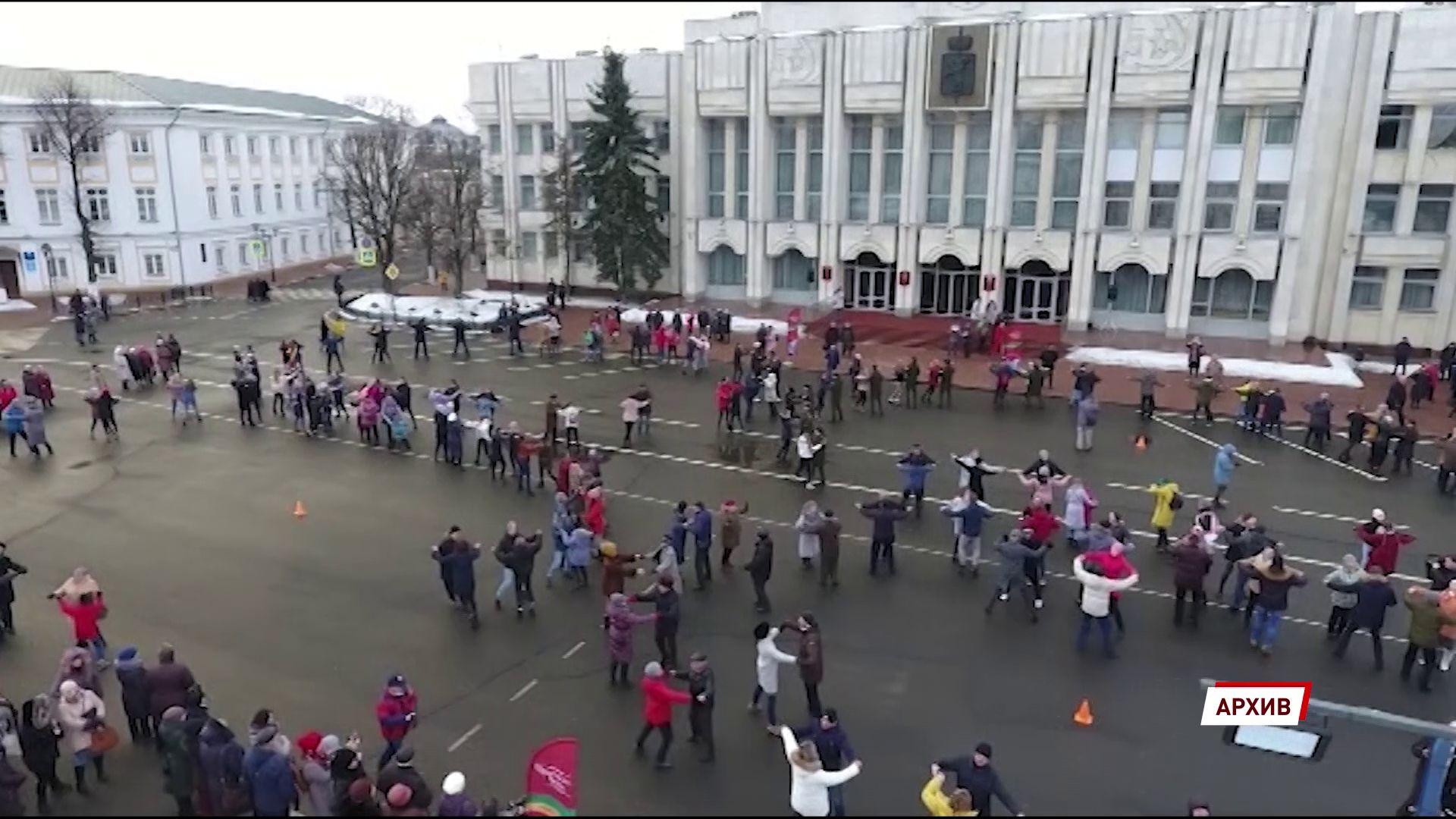 Ярославцы смогут погрузиться в прошлое и закружиться в «Севастопольском вальсе»