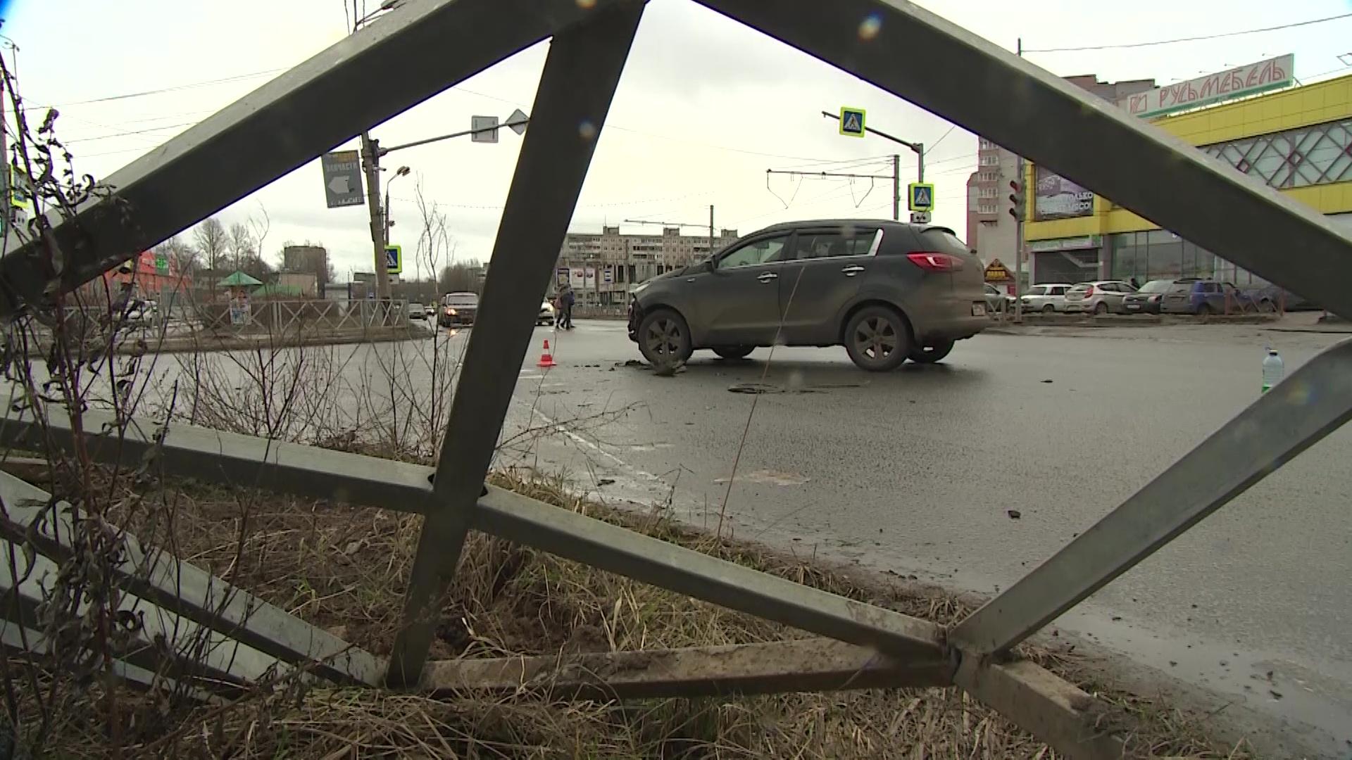 13-летний пешеход «попал под раздачу» в ДТП с двумя иномарками в Ярославле