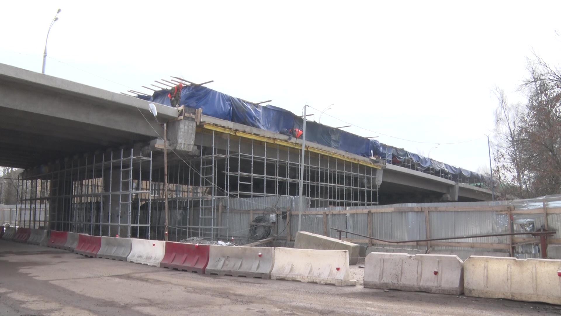Капитальный ремонт Добрынинского путепровода в Ярославле выполнен почти наполовину