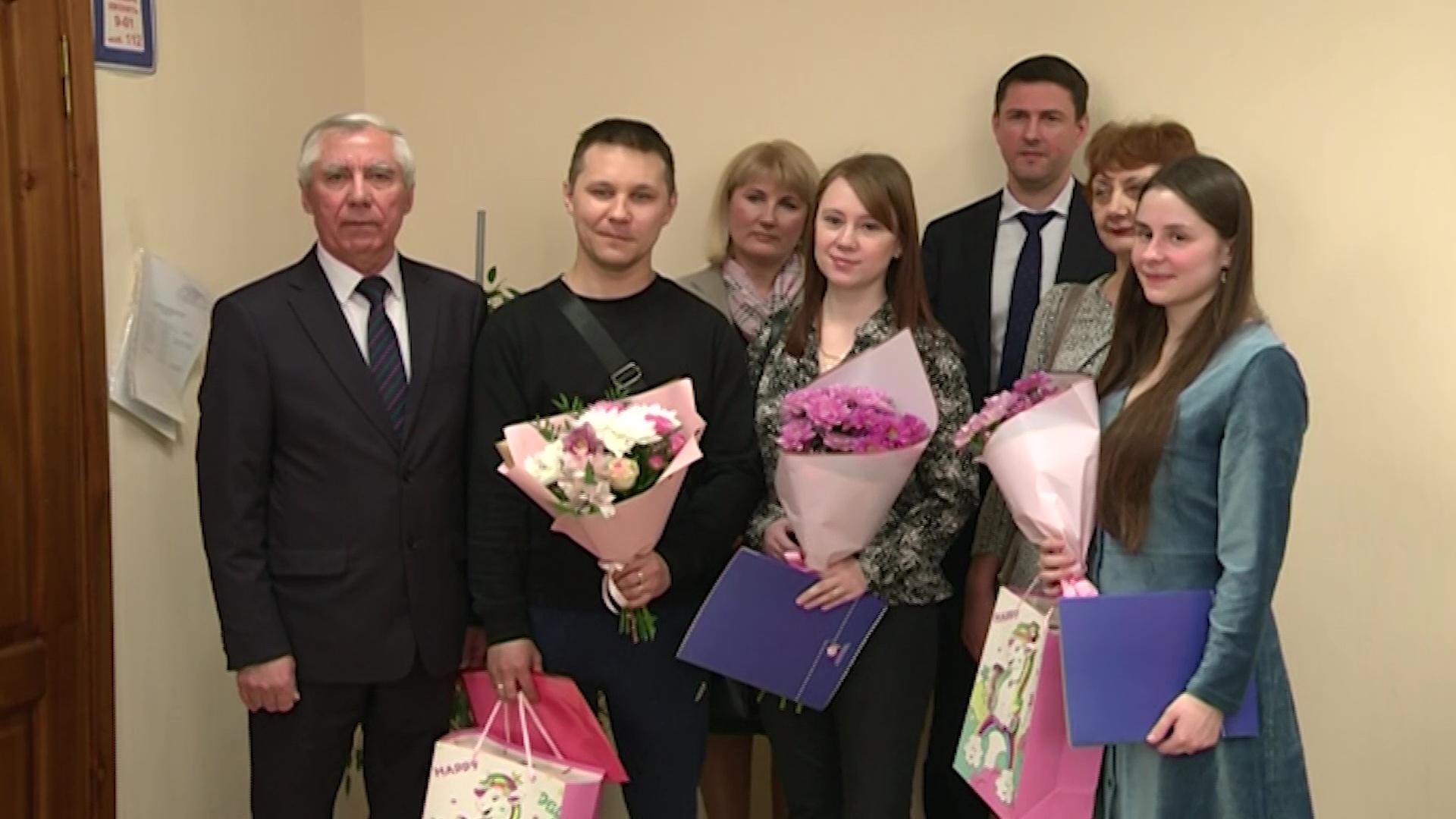 В Ярославской области начали вручать маткапитал на первого ребенка