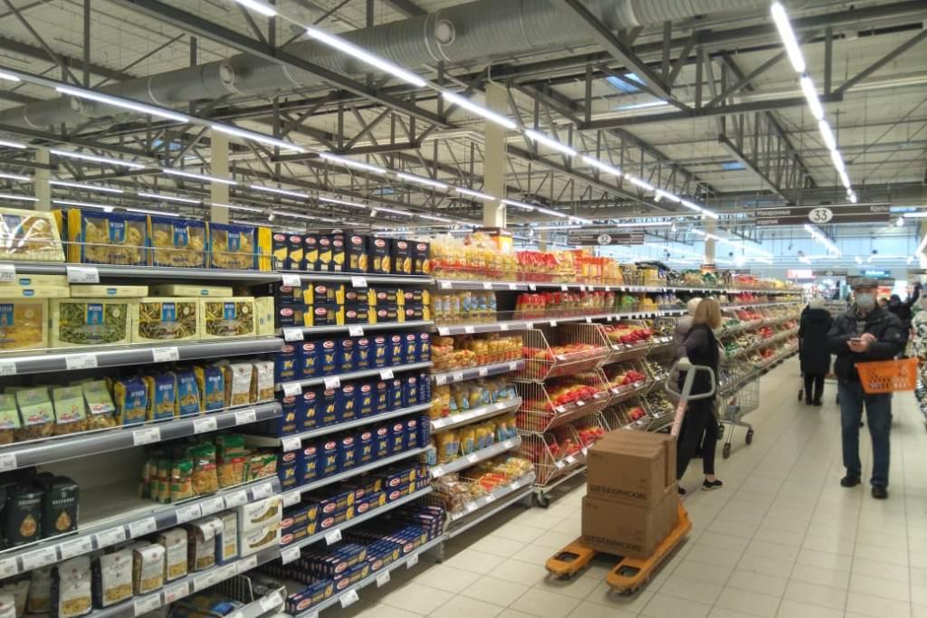 Магазины региона полностью обеспечены товарами, ажиотаж спадает