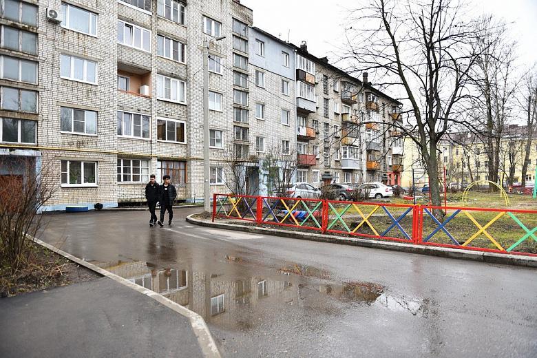 В Ярославле проверяют отремонтированные в прошлом году дворы