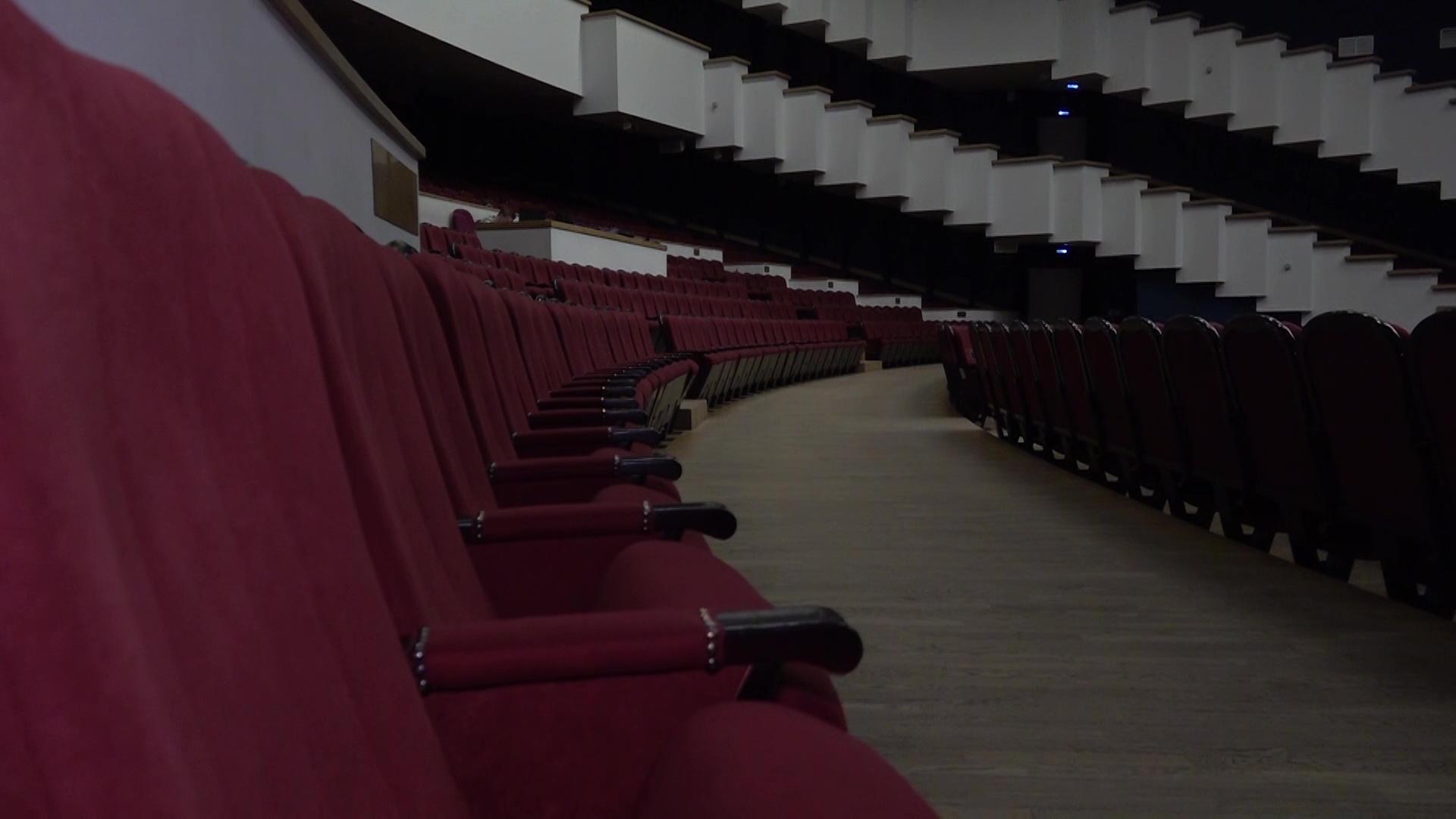 Лайки вместо аплодисментов: в «Миллениуме» прошел первый концерт без зрителей