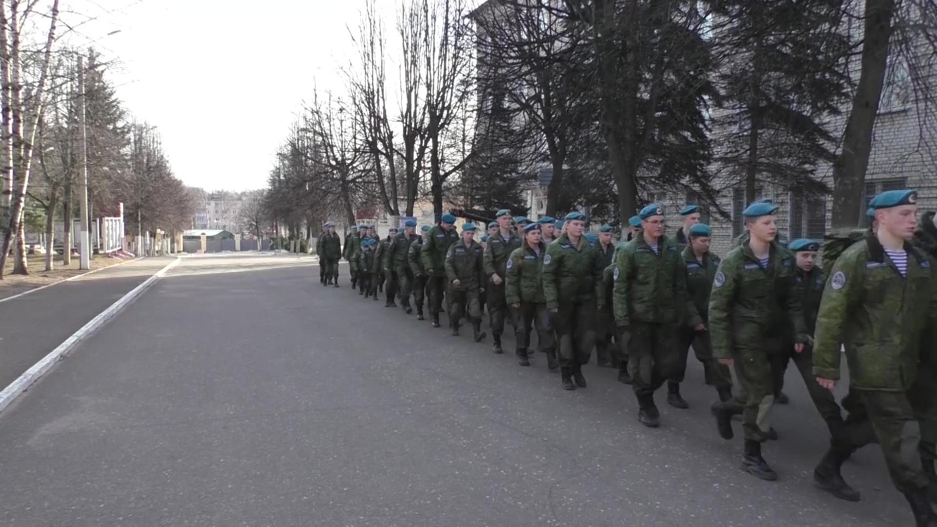 Воспитанники ярославского военно-патриотического клуба окунулись в быт элитных войск