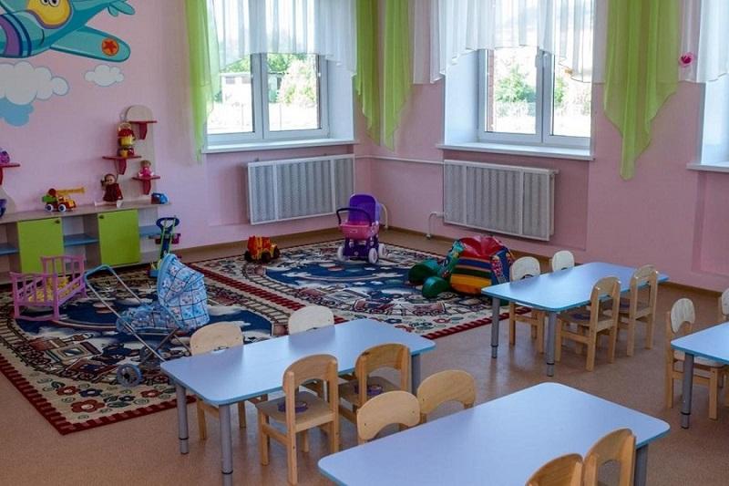 В Ярославле в связи с объявлением выходных не будут работать школы, садики, колледжи и техникумы