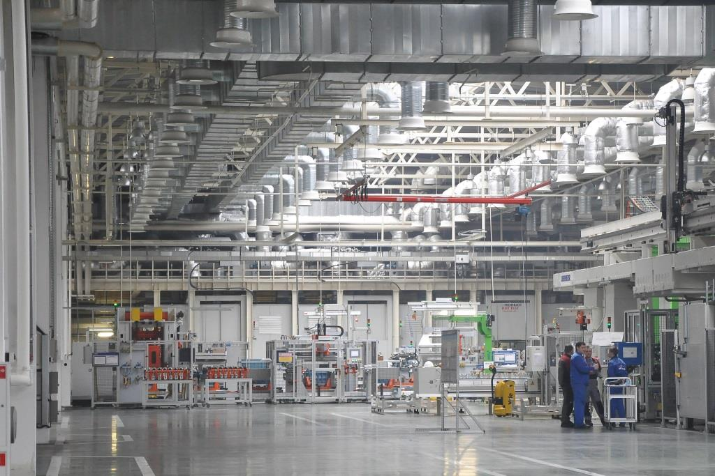 Все предприятия, выпускающие продукты и медицинские изделия, продолжают работу в обычном режиме в регионе
