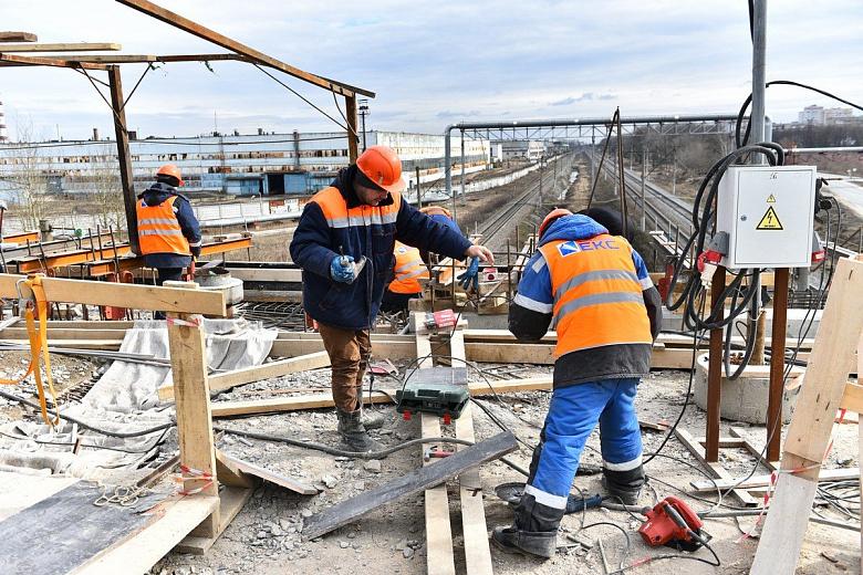 В конце апреля планируют открыть для движения отремонтированный участок Добрынинского путепровода