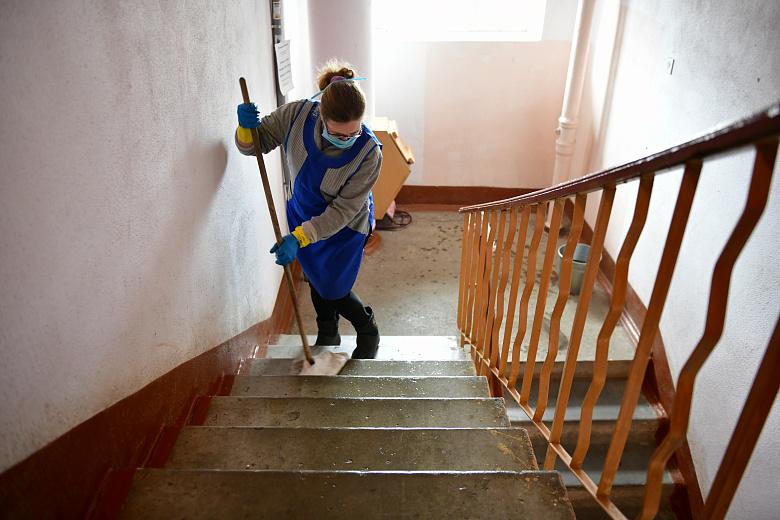 В ярославских домах усилили влажную уборку из-за коронавируса