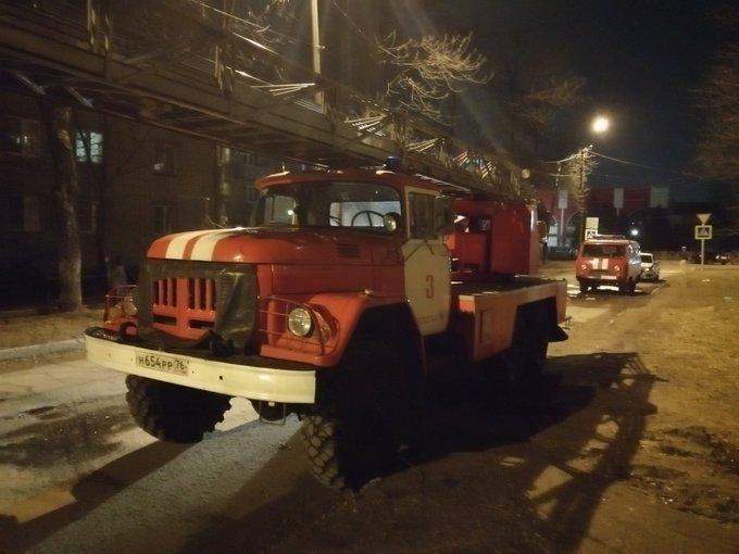 В Ярославле из горящего дома эвакуировали семь человек