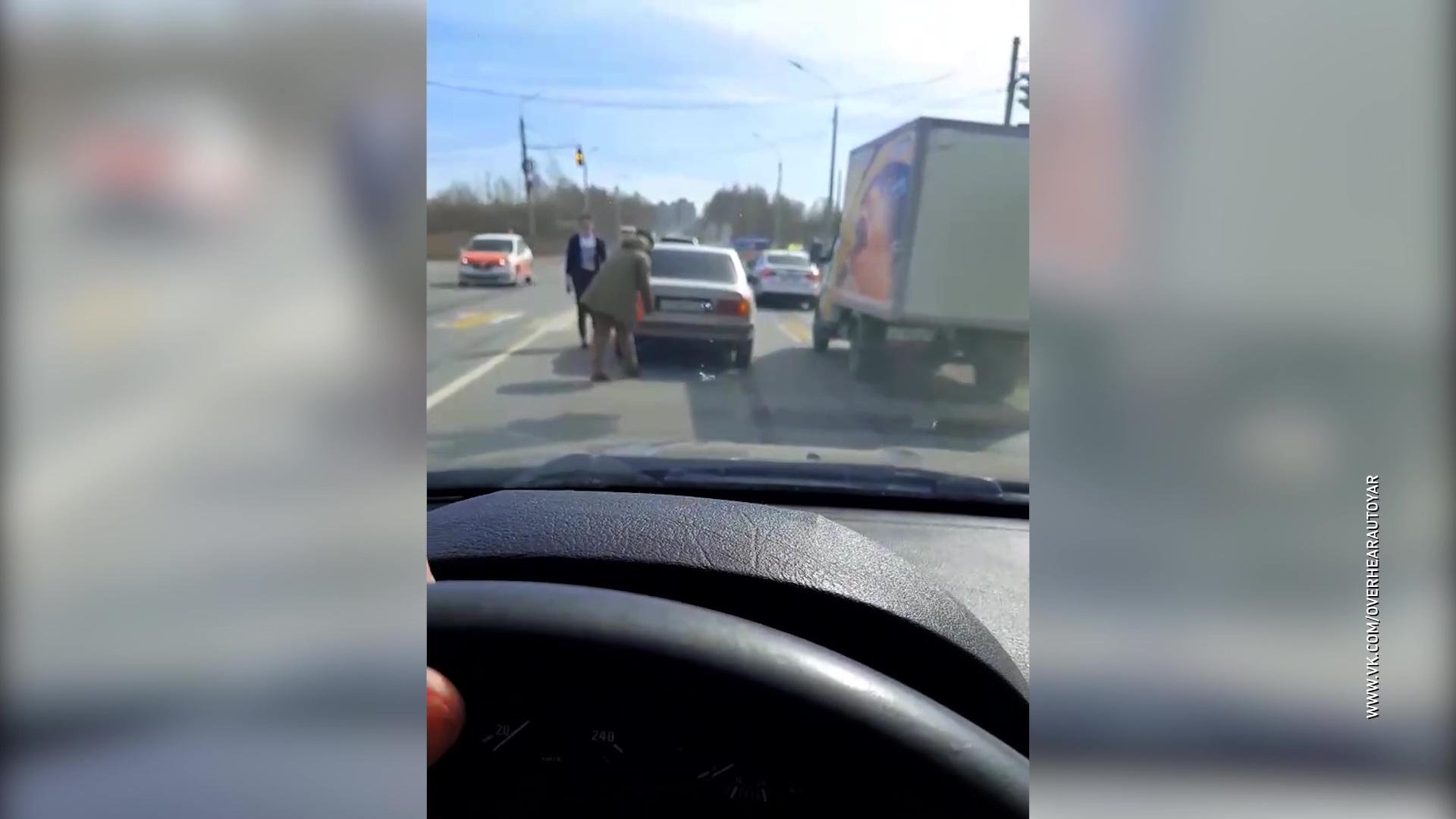 В Ярославле водитель нарушил дистанцию и устроил ДТП