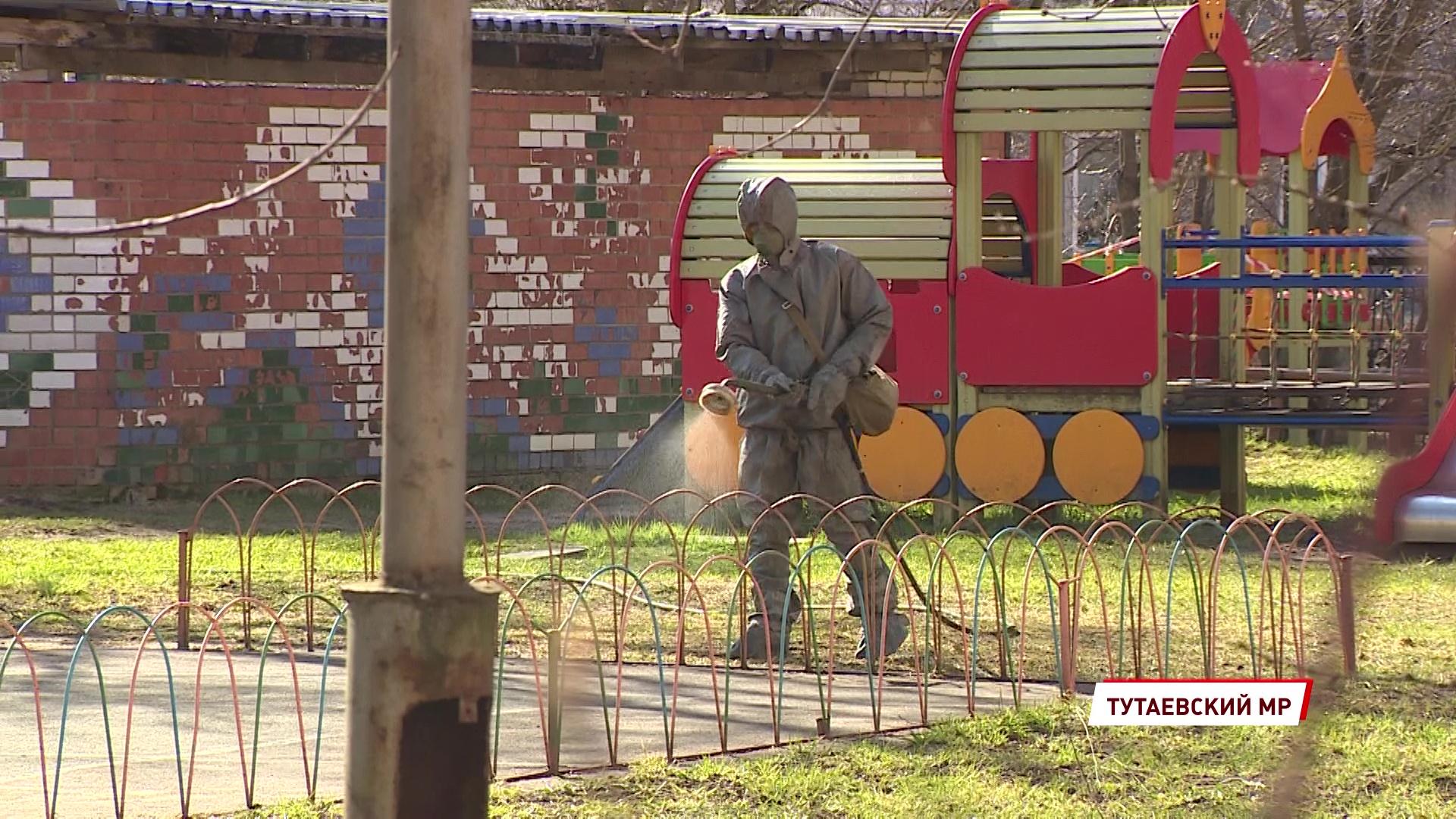 Военные провели дезинфекцию детского сада в Тутаеве, закрытого на карантин из-за коронавируса