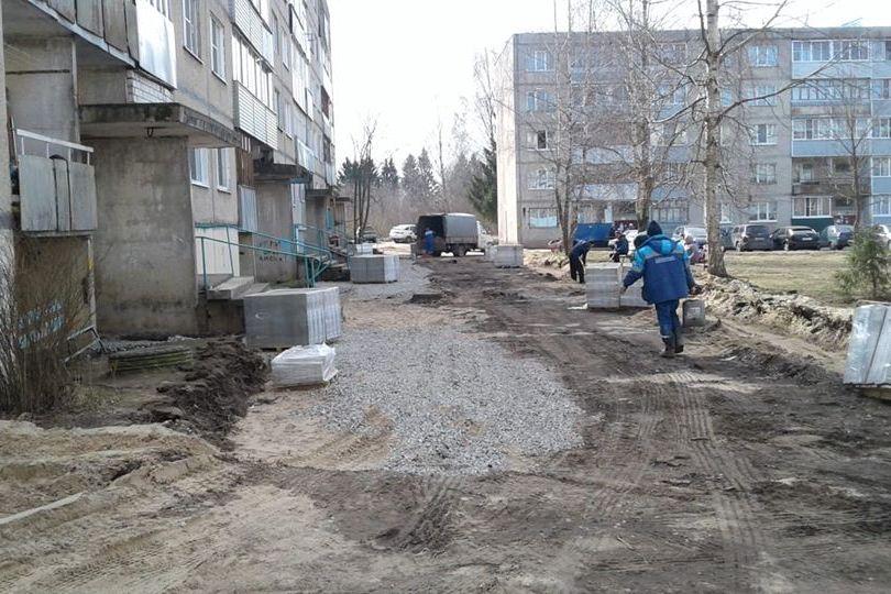 В поселке Тихменево Рыбинского района завершили благоустройство общественной территории