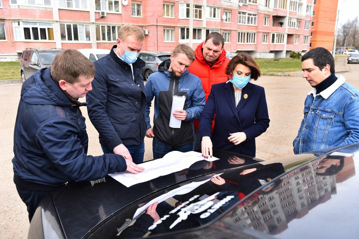 Для жителей дома на Тутаевском шоссе оборудуют новый выезд со двора