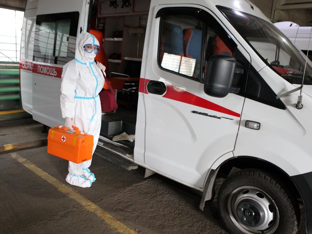 В Рыбинске на вызовы выезжают инфекционные бригады скорой помощи
