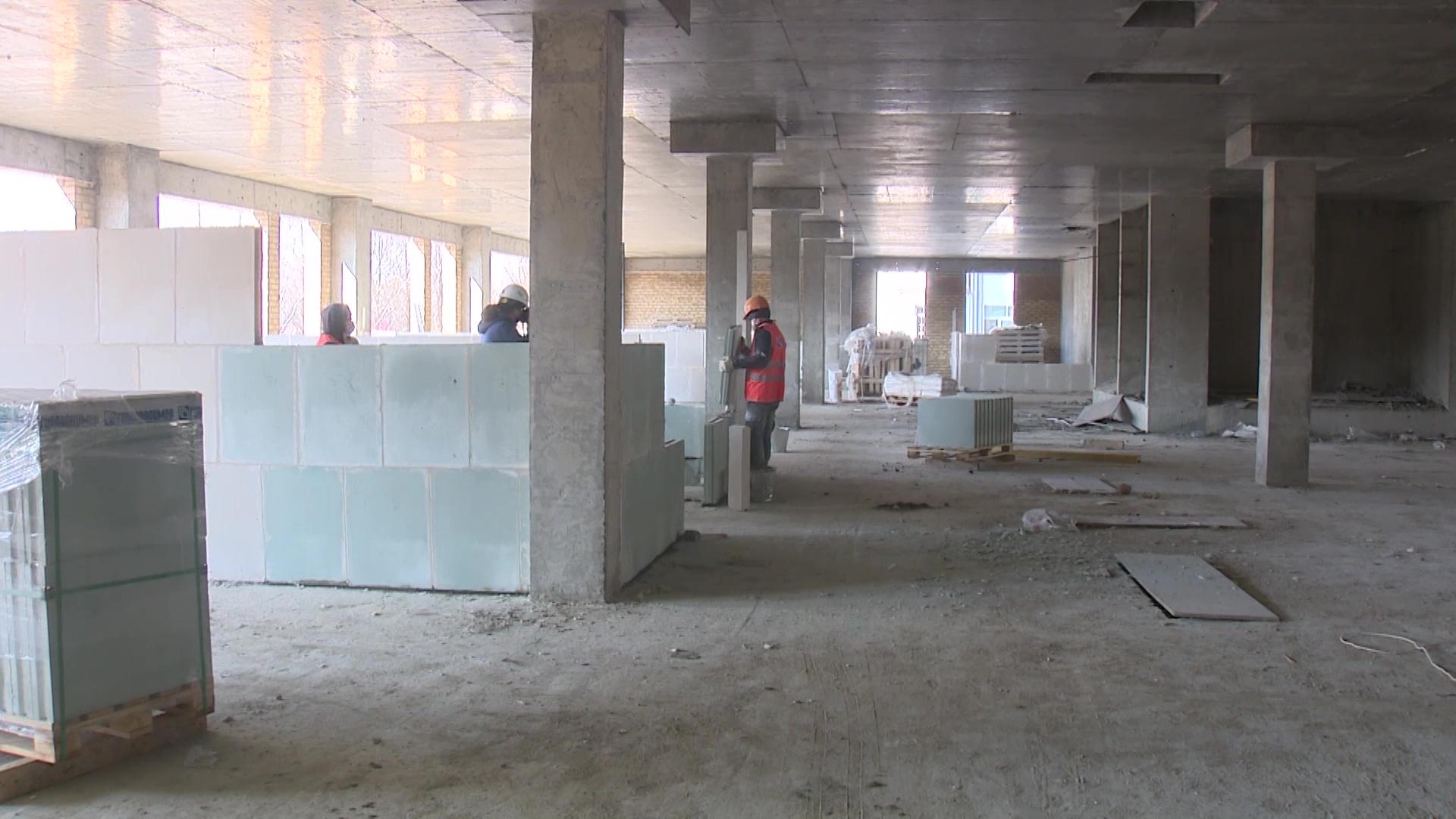 В Ярославле начали возводить седьмой этаж хирургического корпуса онкологической больницы