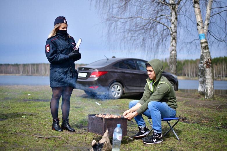 Полицейские провели профилактические беседы по самоизоляции с любителями шашлыков