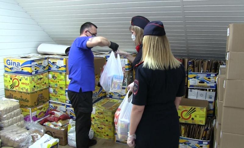 Более тысячи детей получили помощь в рамках акции областной полиции «Вирус добра»
